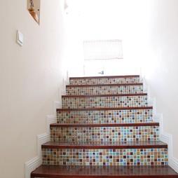 美式风格梯间马赛克瓷砖装修效果图欣赏
