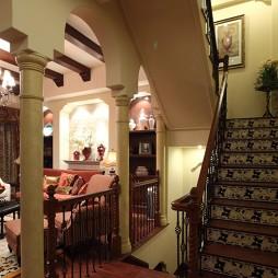欧式风格样板房家装客厅与楼梯间过道装修效果图