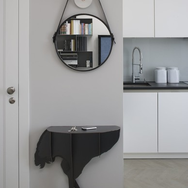 65平米复式小公寓玄关装饰柜装修效果图