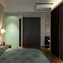 简约台北海华国际之星住家案卧室隐形门衣柜装修效果图