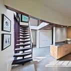 山间阁楼小别墅楼梯玄关装修效果图