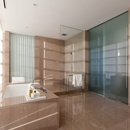 温哥华600平米豪华复式住宅设计卫生间玻璃隔断装修效果图