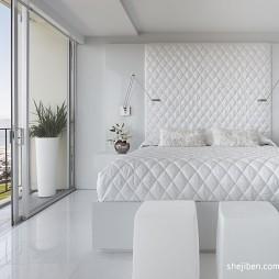 美国旧金山Fontana Apartment卧室带阳台移门装修效果图