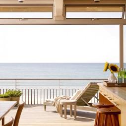 悠闲惬意的海边住宅设计混搭阳台栏杆装修效果图
