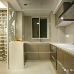 现代风格封闭式L型家居厨房橱柜推拉门装修效果图