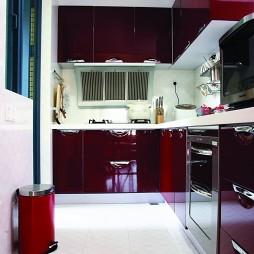 现代风格开放式L型小面积家居厨房红色橱柜装修效果图