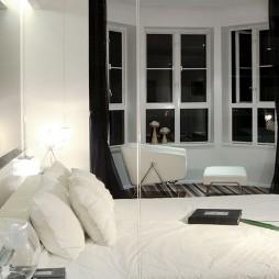 现代卧室玻璃隔断门装修效果图