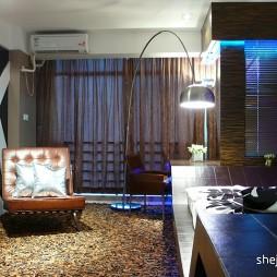 现代客厅卧室软隔断装修效果图