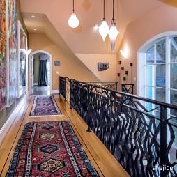 别墅设计走廊过道铁艺栏杆装修效果图