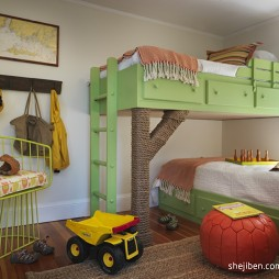现代风格三居室男孩儿童房双层床设计装修效果图片