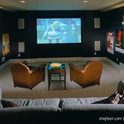 现代风格温馨视听室背景墙装修效果图