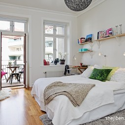 现代风格三居室主人房卧室兼书房装修效果图片