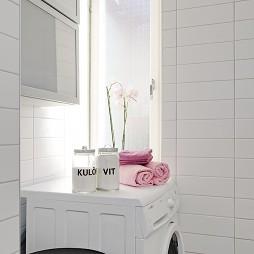 蓝白梦幻家居带阁楼现代洗衣房装修效果图