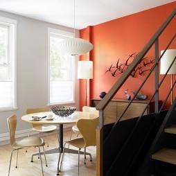 现代别墅餐厅不吊顶橙色墙面漆背景墙越层装修效果图