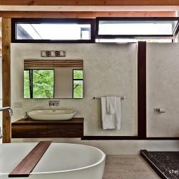 现代简约风格别墅主卫生间装修效果图片