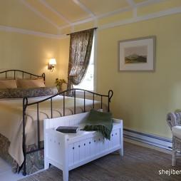 美式风格时尚经典卧室小碎花窗帘装修效果图片