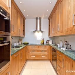 2017现代风格u型整体5平米家庭实木橱柜厨房装修效果图