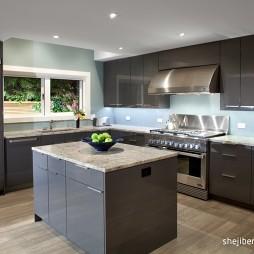 2017现代风格L型整体8平米家庭浅黑色橱柜厨房实木地板装修效果图