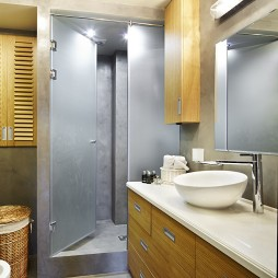 现代风格主卫生间淋浴房装修效果图片
