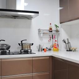 2017现代风格L型整体6平米家庭巧克力色橱柜装修效果图