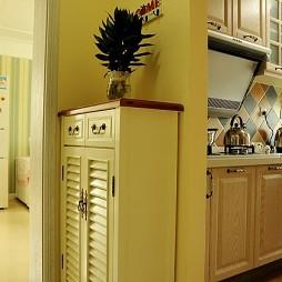 2017地中海风格二居室厨房狭窄玄关鞋柜装修效果图片
