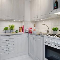 2017现代风格L型整体6平米室内纯白橱柜厨房装修效果图欣赏