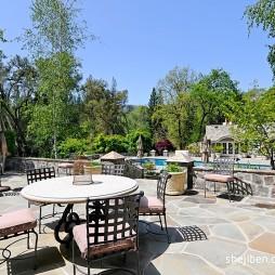 欧式风格别墅休闲区花园桌椅地砖装修效果图片