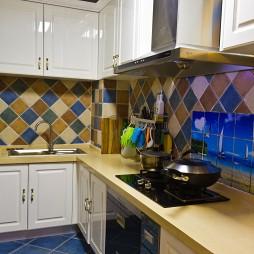 2017地中海风格厨房墙面彩色瓷砖装修效果图