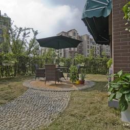 欧式风格三居室一楼入户休闲花园桌椅鹅卵石装修效果图片
