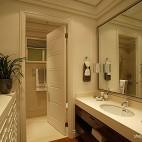2013混搭风格样板房居家卫生间镜子洗手台装修效果图欣赏
