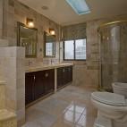 美式风格别墅豪华大卫生间吊顶淋浴房大理石瓷砖装修图片