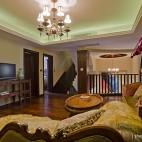客厅楼梯装修效果图片