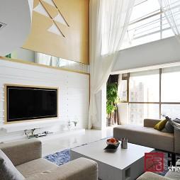 现代风格楼中楼客厅白色落地窗帘设计