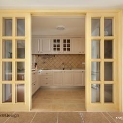 2017地中海风格L型整体6平米家居厨房折叠门装修效果图