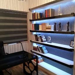 2017现代风格四室一厅小空间书房书架装修效果图