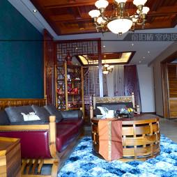 17平米小客厅满梁吊顶沙发镂空屏风隔断设计图