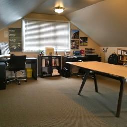 20平米现代阁楼书房装修效果图