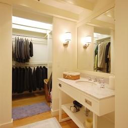 2017现代风格二室一厅家用洗手台带衣帽间装修效果图欣赏