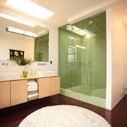 2017现代风格别墅时尚卫生间淋浴房实木地板镜子装修效果图