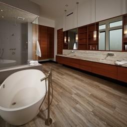 现代风格卫生间淋浴房实木地板装修图片