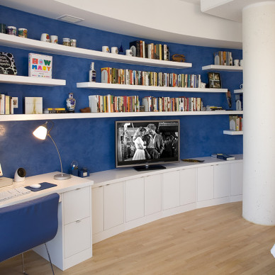 2017地中海风格小户型豪华最新书房蓝色背景墙书柜装修效果图