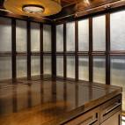 2017现代风格三室一厅实木嵌入式衣帽间衣柜装修效果图