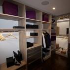 现代风格三室一厅L型顶固小衣帽间储物柜装修效果图片