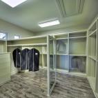 2013现代风格三室一厅时尚步入式U型衣帽间衣柜鞋柜储物柜装修效果图片