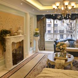 沈阳中海城别墅欧式客厅壁炉造型墙及拼花地板砖设计图片