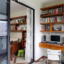 书香绿苑东南亚书房隔断移门装修效果图