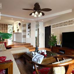 中式风格错层客厅石膏线吊顶灯扇效果图