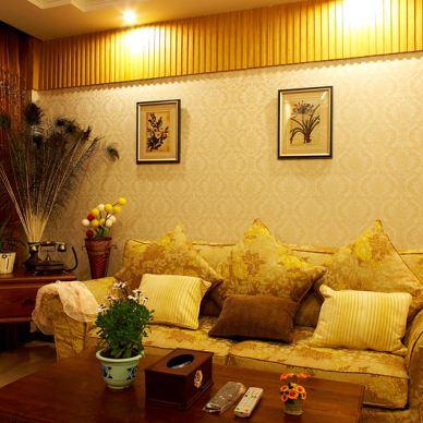 青林湾小户型现代浅黄色客厅沙发壁纸挂画背景墙及窗帘效果图