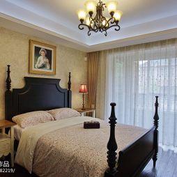 美式别墅经典南京山水华门·米兰装饰设计总监李舒设计作品美式卧室漂亮窗帘装修效果图