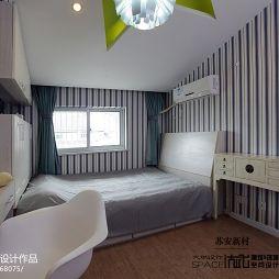 混搭卧室柜子条形壁纸装修效果图